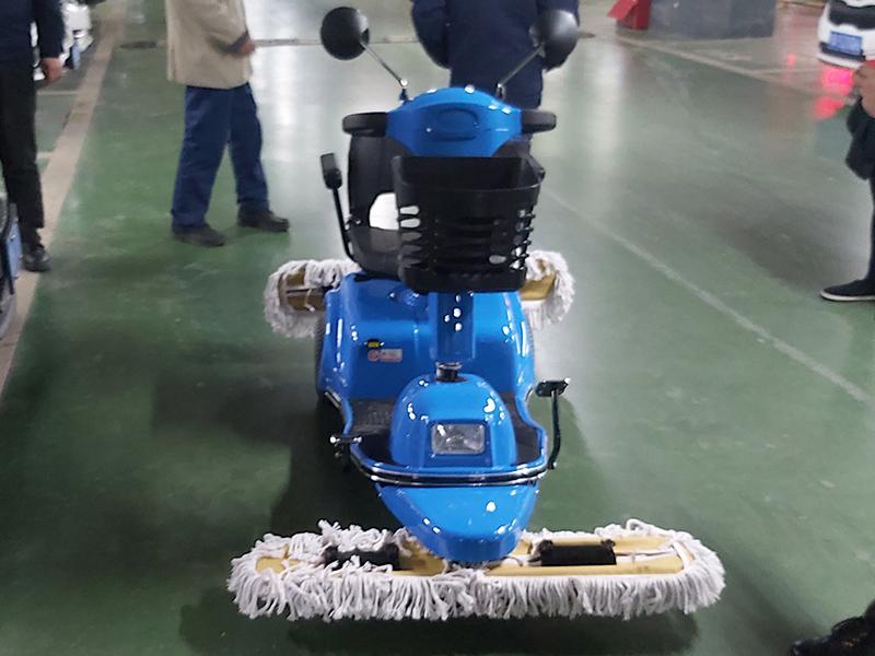 停车场清洁用电动尘推车
