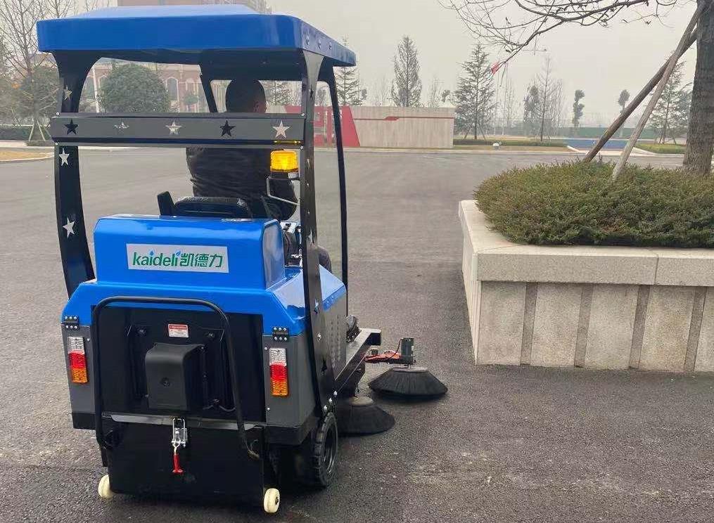 巴川中学使用扫地机