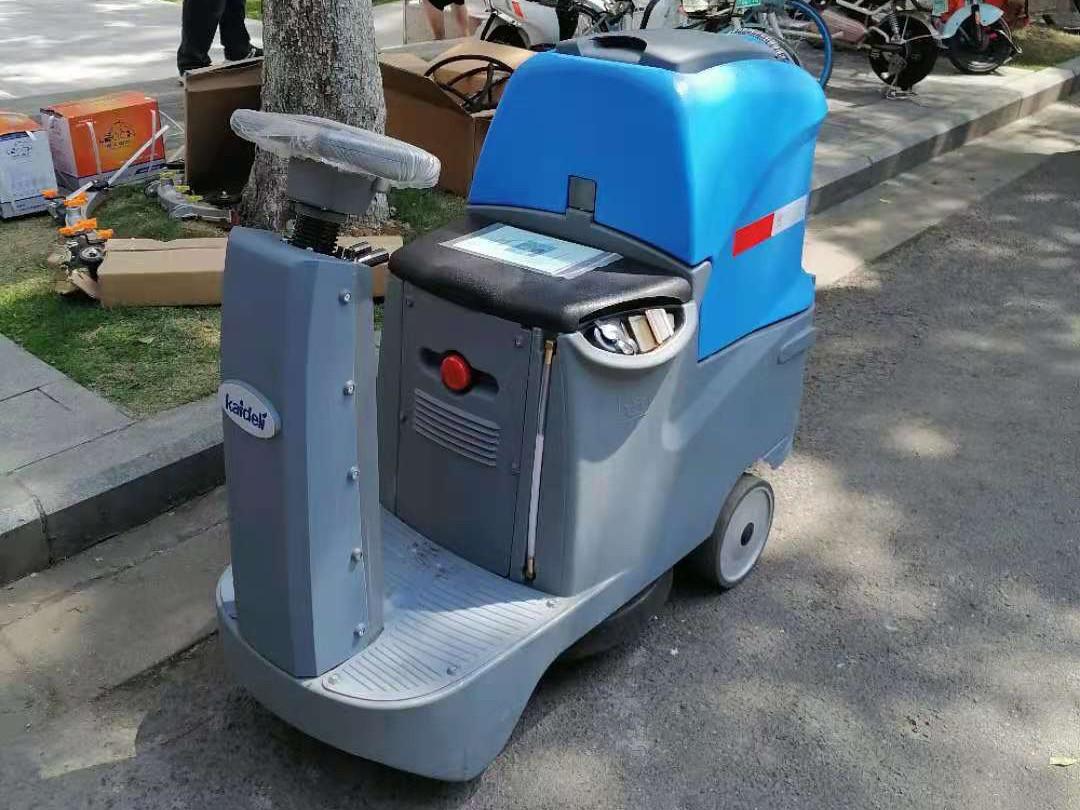 天麓御府采购洗地机选择了成都宏雯公司